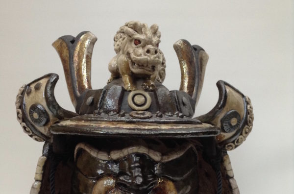 Kabuto dragon - casque de samouraï - Raku - Emmanuelle Not