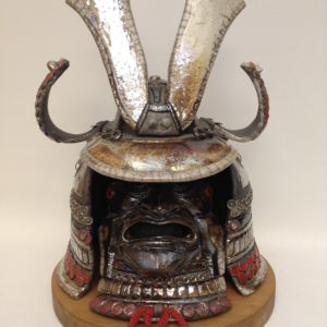 Kabuto rouge-casque de samouraï-Raku-Emmanuelle Not