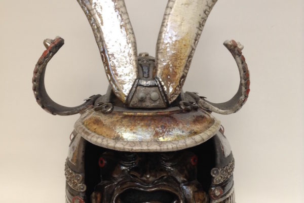 kabuto rouge - casque de samouraï - Raku - Emmanuelle Not